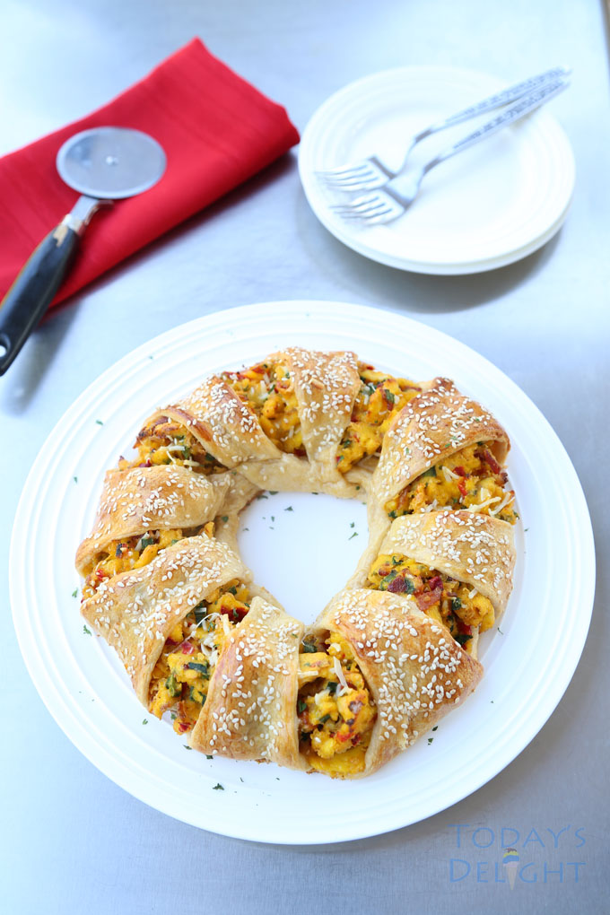 Bacon and Egg Breakfast Crescent Ring