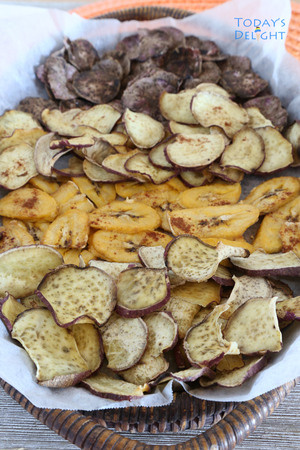 Pumpkin Spice Baked Sweet Potato Chips is Today's Delight