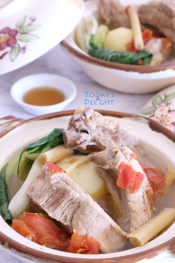 Lemongrass soup with spareribs is Today's Delight
