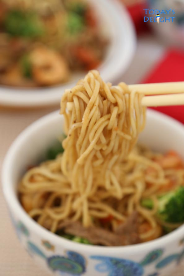 Fresh, frozen or dried noodles can be used to make Pork Shrimp Vegetable Lo Mein Recipe