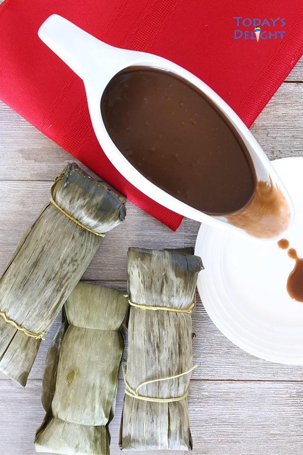 Rich coconut caramel sauce paired with sticky rice cake.